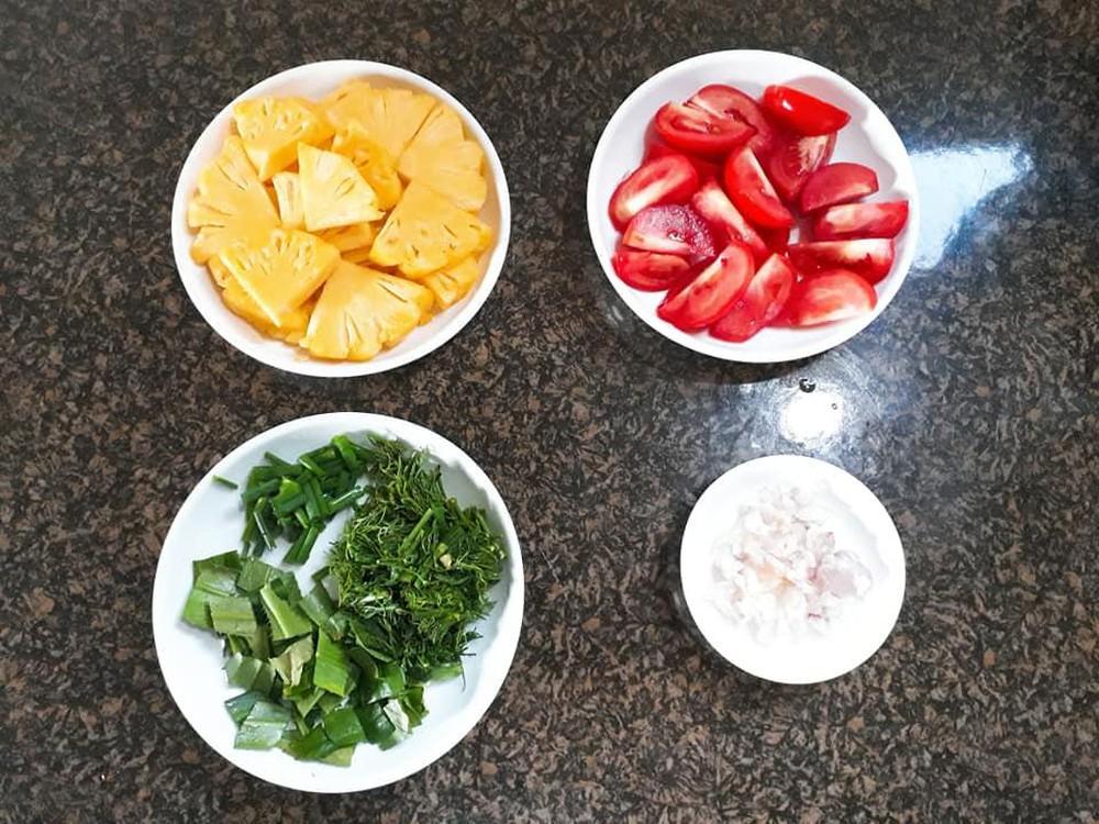 Tuyệt vời vị thanh ngọt canh cá trắm nấu chua cho buổi tối thêm ấm lòng3