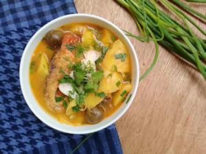 Món cá Trắm nấu canh chua
